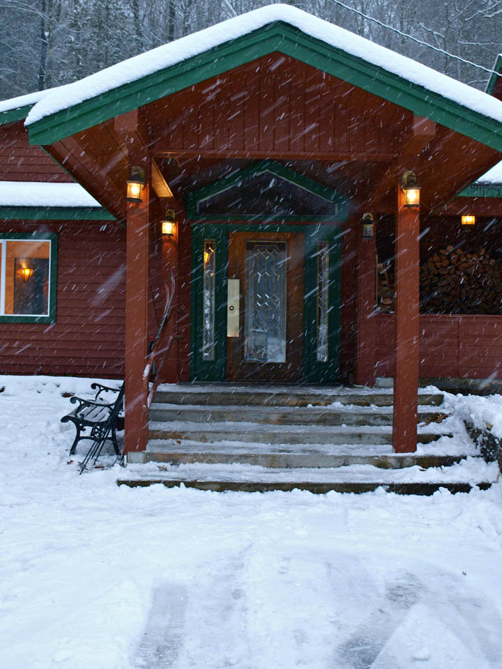 Adirondack River Beds Lodge