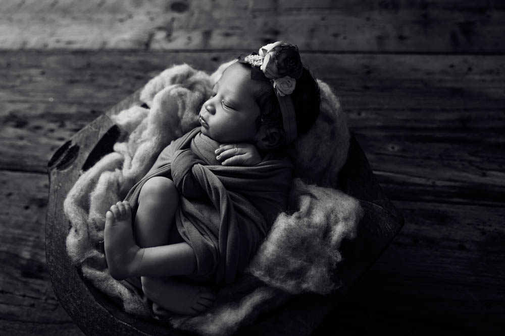 Houston newborn photographer specializing in newborn portraits