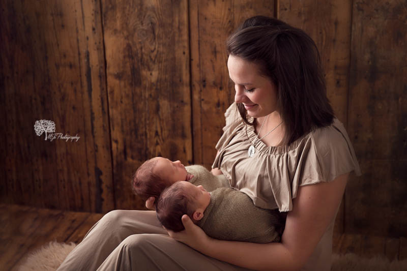 Fulshear newborn photographer