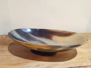 Oval horn bowl with bottom