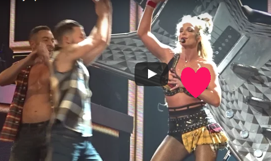 Britney spears suffered yet another wardrobe malfunction