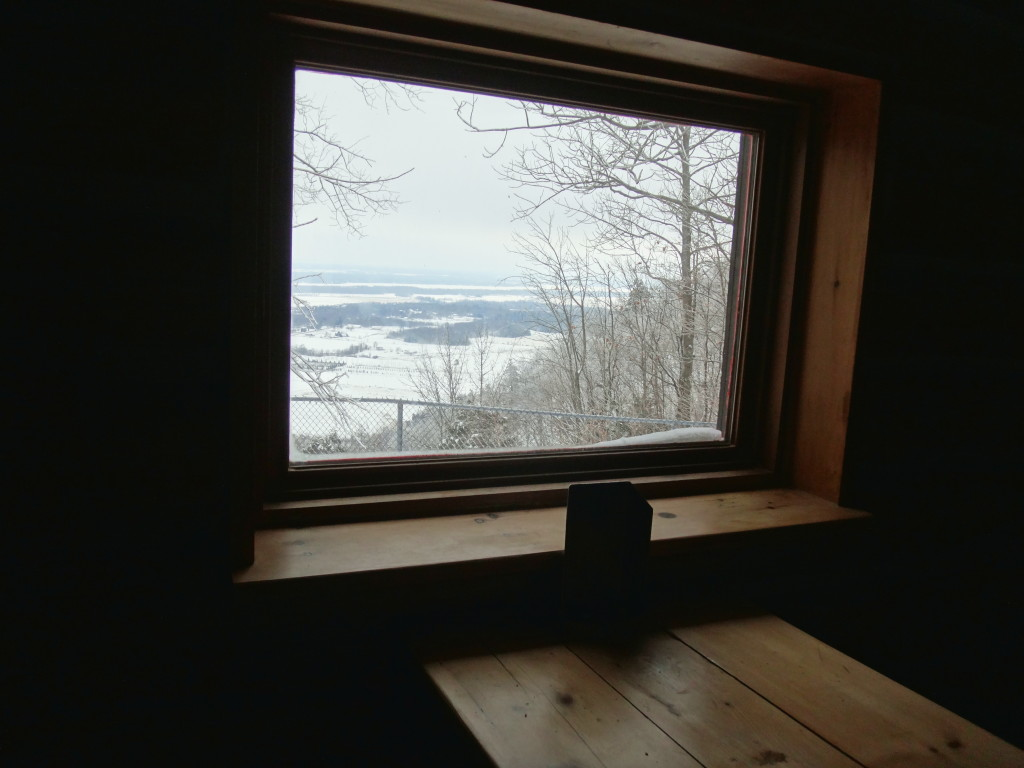 Window Seat - Western Shelter