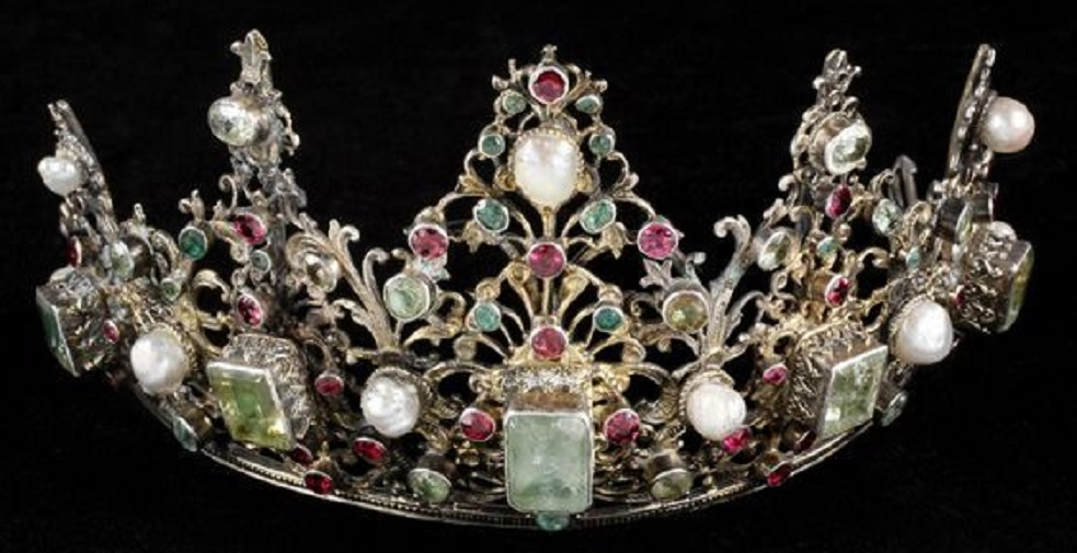17th Century Tiara, Europe: emeralds, rubies, peridots, pearls, and gilt silver.
