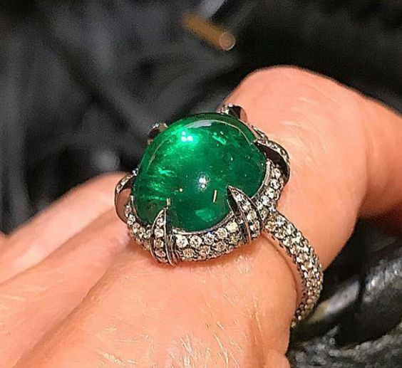 A Gorgeous cabochon-cut emerald and diamond ring signed Roberto Callegari