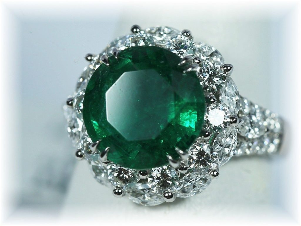 6.23 Ct Magnificent Round Emerald and Diamond Ring White Gold 18K