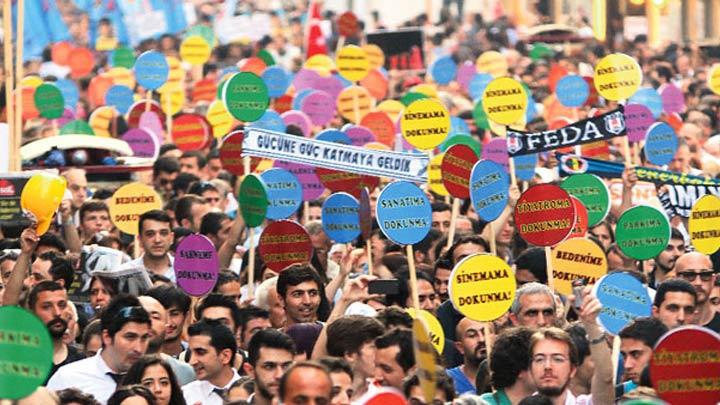 Necati Şaşmaz ve Hasan Kaçan Twitter'ı salladı