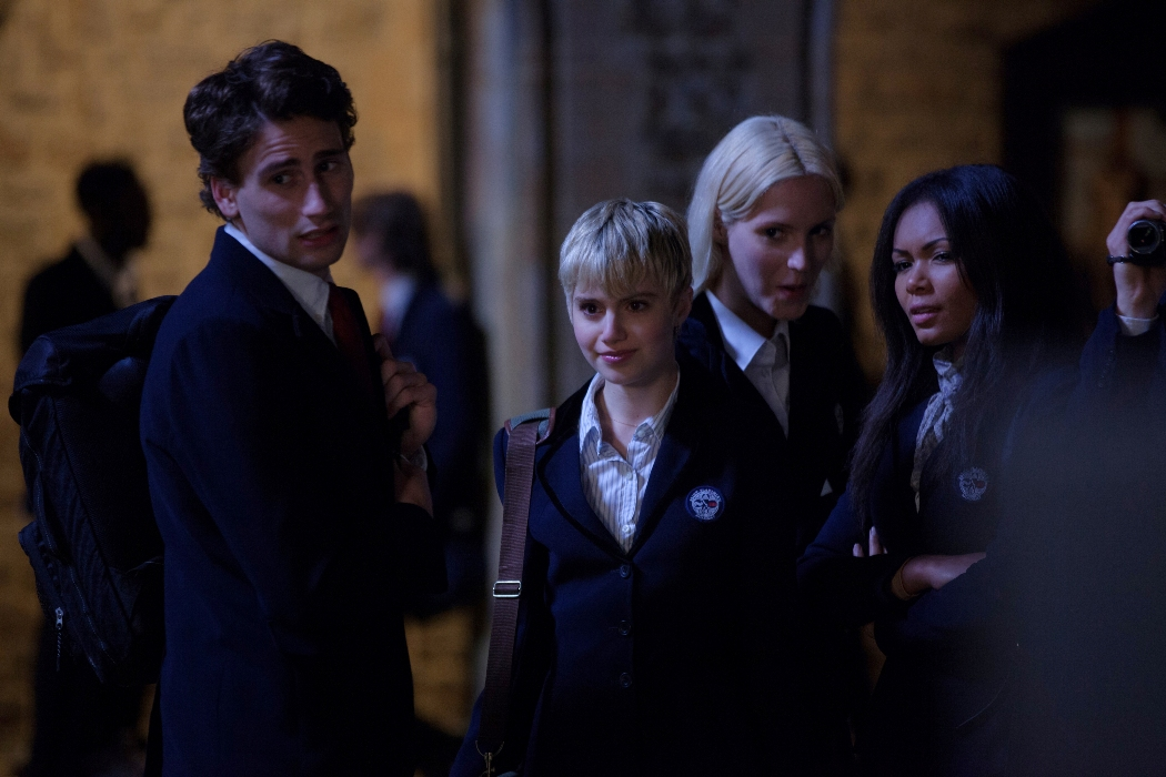 Vampir-Akademisi-Vampire-Academy-2014-film-movie