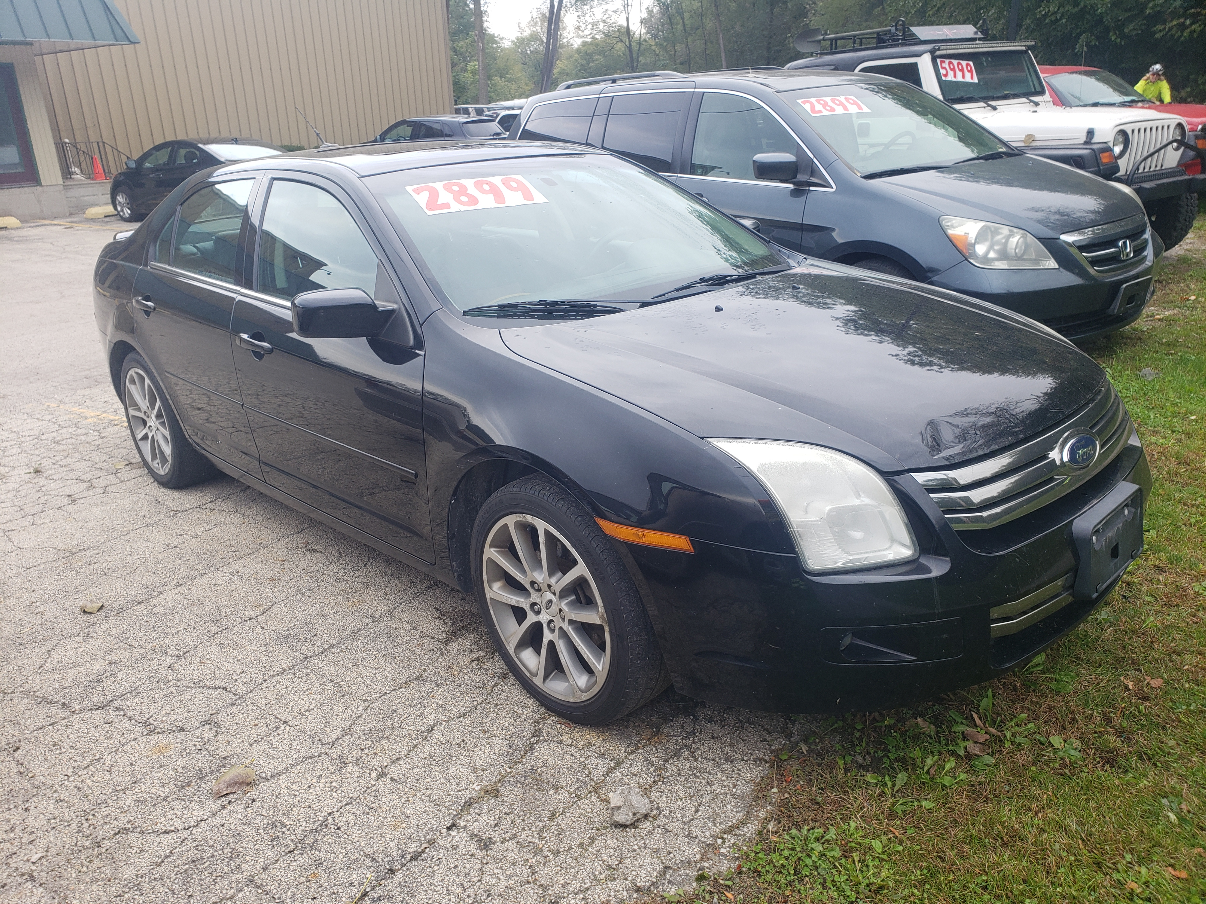 2008 Ford Fusion - 150K - $2899 - You'll look good strutting around town in this bad boy!