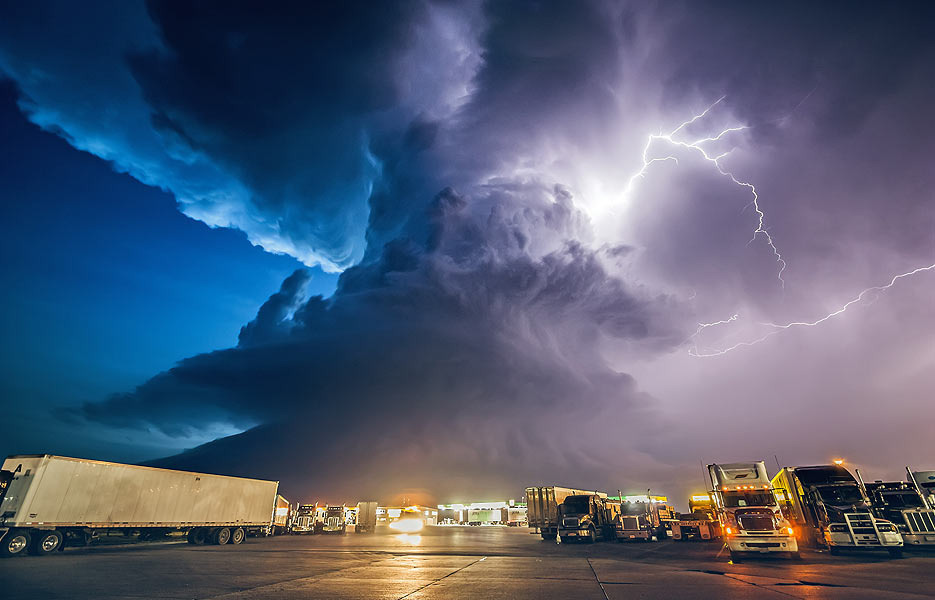storm-chaser-9-935x600-1-1