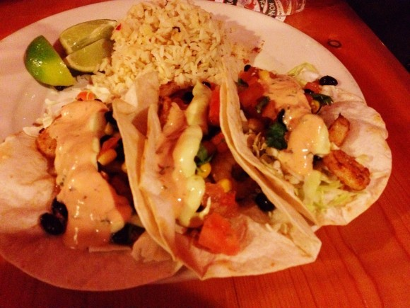 kona brewing - uncle's fish tacos