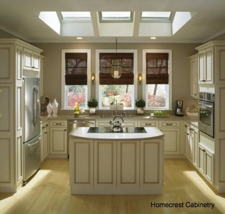 central_u-shaped_kitchen.jpg