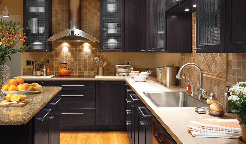 How to Make Black Kitchen Cabinets Work for Your Kitchen