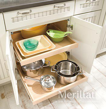 Which to Choose – Kitchen Drawers or Rollout Shelves?