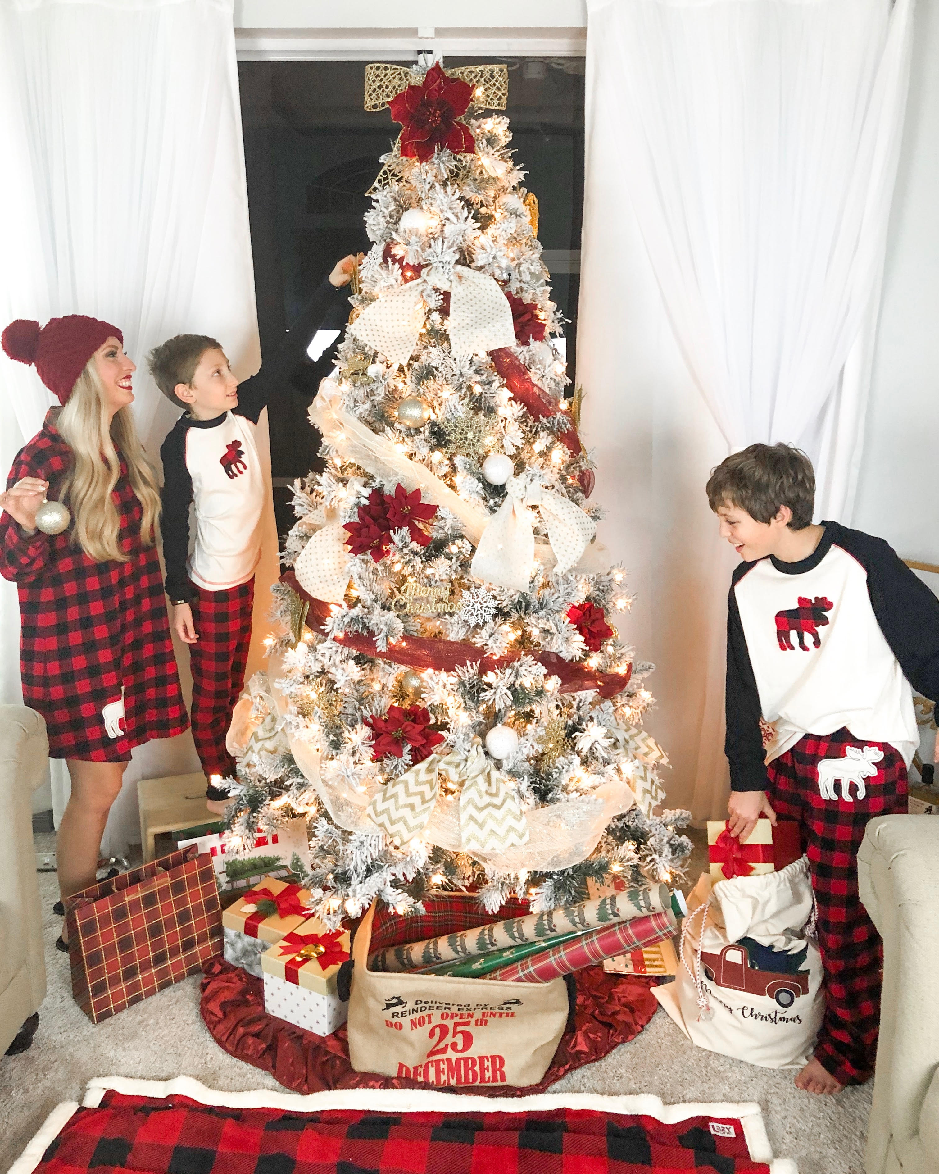 6 HOLIDAY TRADITIONS