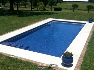 Pool w/glass tile