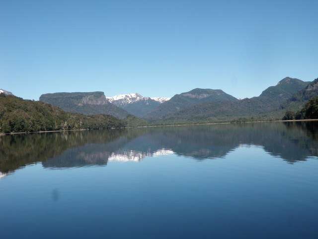 Unusually Smooth Surface on Lago Roca on Saturday Morning