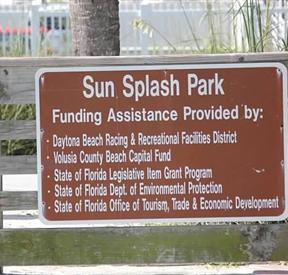 Sun Splash Park Sign