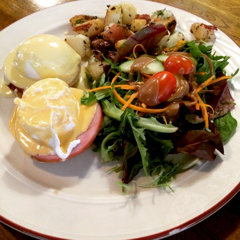 BIN 141 nyc restaurant east village eggs benedict brunch