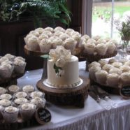 Wedding white cupcakes in Muskoka
