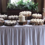 Elegant wedding cupcakes in Muskoka
