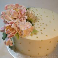 Gold and pink Mother's day cake