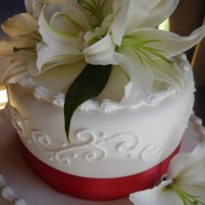 Asiatic lilies wedding cake