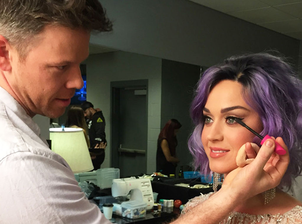 rs_1024x759-150208212951-1024-katy-perry-make-up-grammys.jw.2815