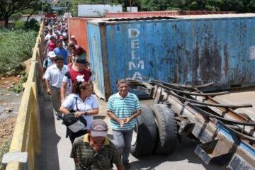 mas_de_70_mil_personas_se_movilizaron_en_la_frontera_colombo_venezolana.jpg
