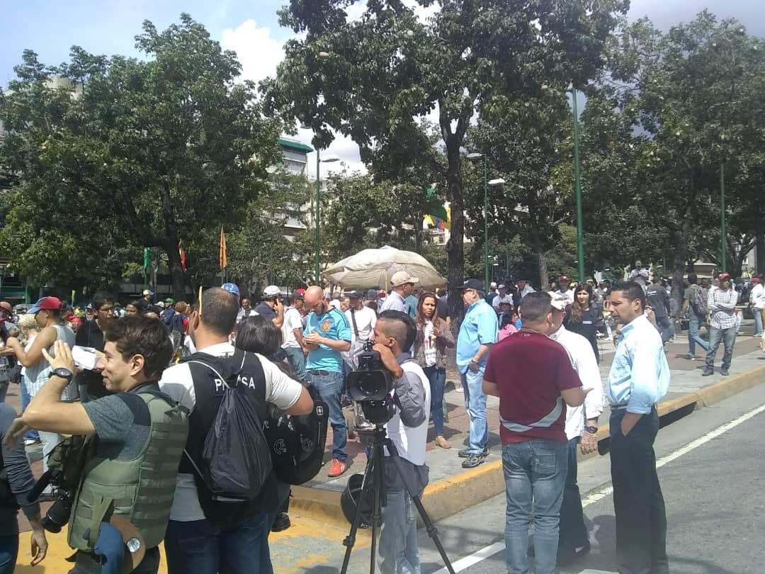 #OperativoPDC #16Nov| Cuidadanos se empiezan a concentrar en Altamira - TipsFemeninos