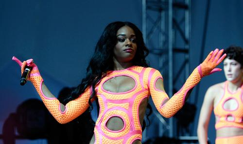 https://www.hotnewhiphop.com/azealia-banks-is-taking-legal-action-against-wendy-williams-in-2018-news.41400.html