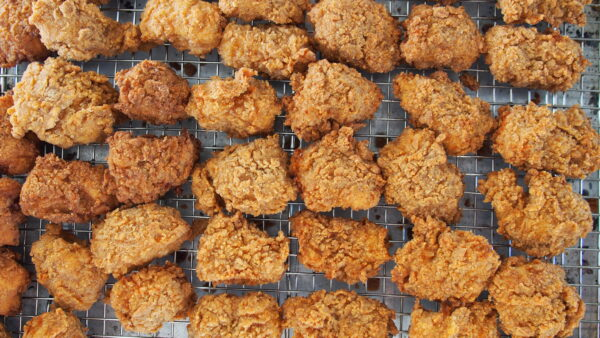 10 FRIED CHICKEN places to try in LOS ANGELES that are NOT HOT CHICKEN