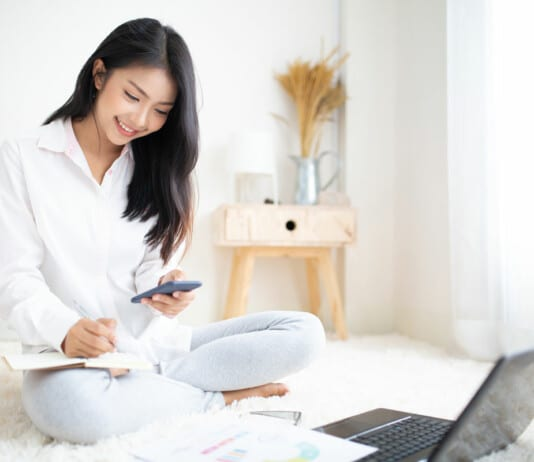 relaxed-ifrec-student-taking-real-estate-exam
