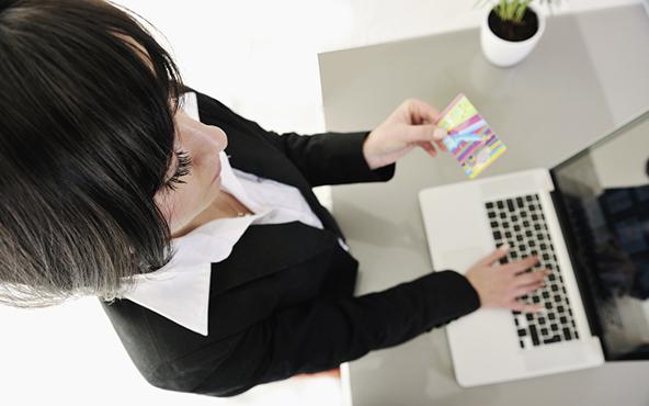 How to Minimize Fraudulent E-Commerce Transactions