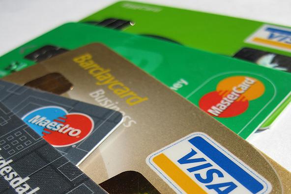 Credit Card Debt Falls in 2011, so Do Credit Scores