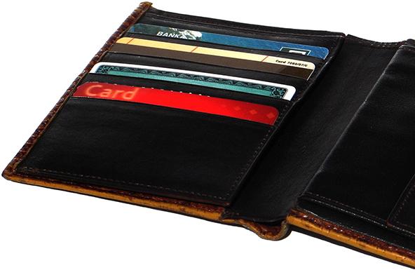 Credit Card Debt vs. Credit Card Use