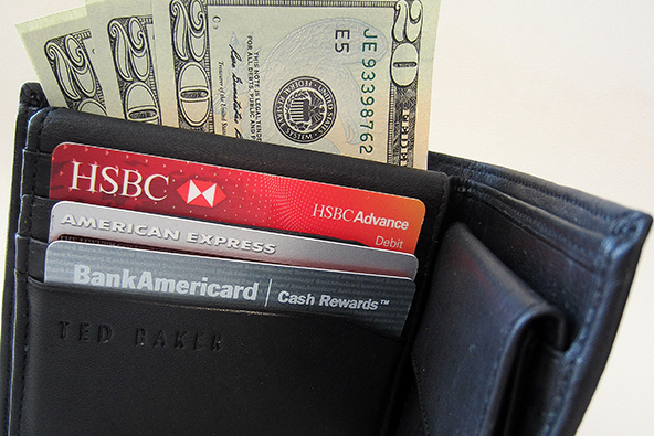 Why Don't Merchants Offer Discounts on Cash and Debit Card Payments?