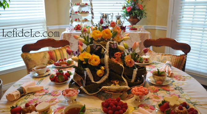 Spring Garden Mother's Day Tea Party Tablescape Décor Ideas (+ Free Printable Card & Invitation)