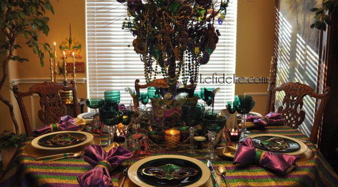 "Mardi Gras Masquerade Themed ""Fat Tuesday"" Dinner Party Tablescape Décor Ideas"