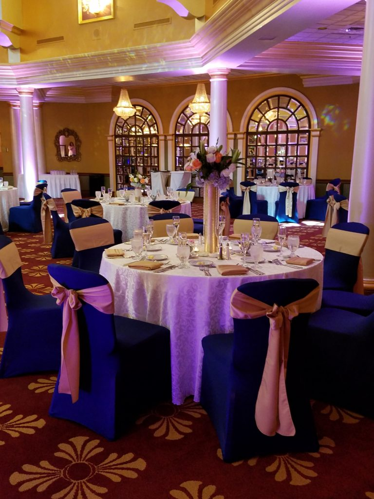 Gold Satin Sashes with White Damask Tablecloths and Gold Satin Napkins
