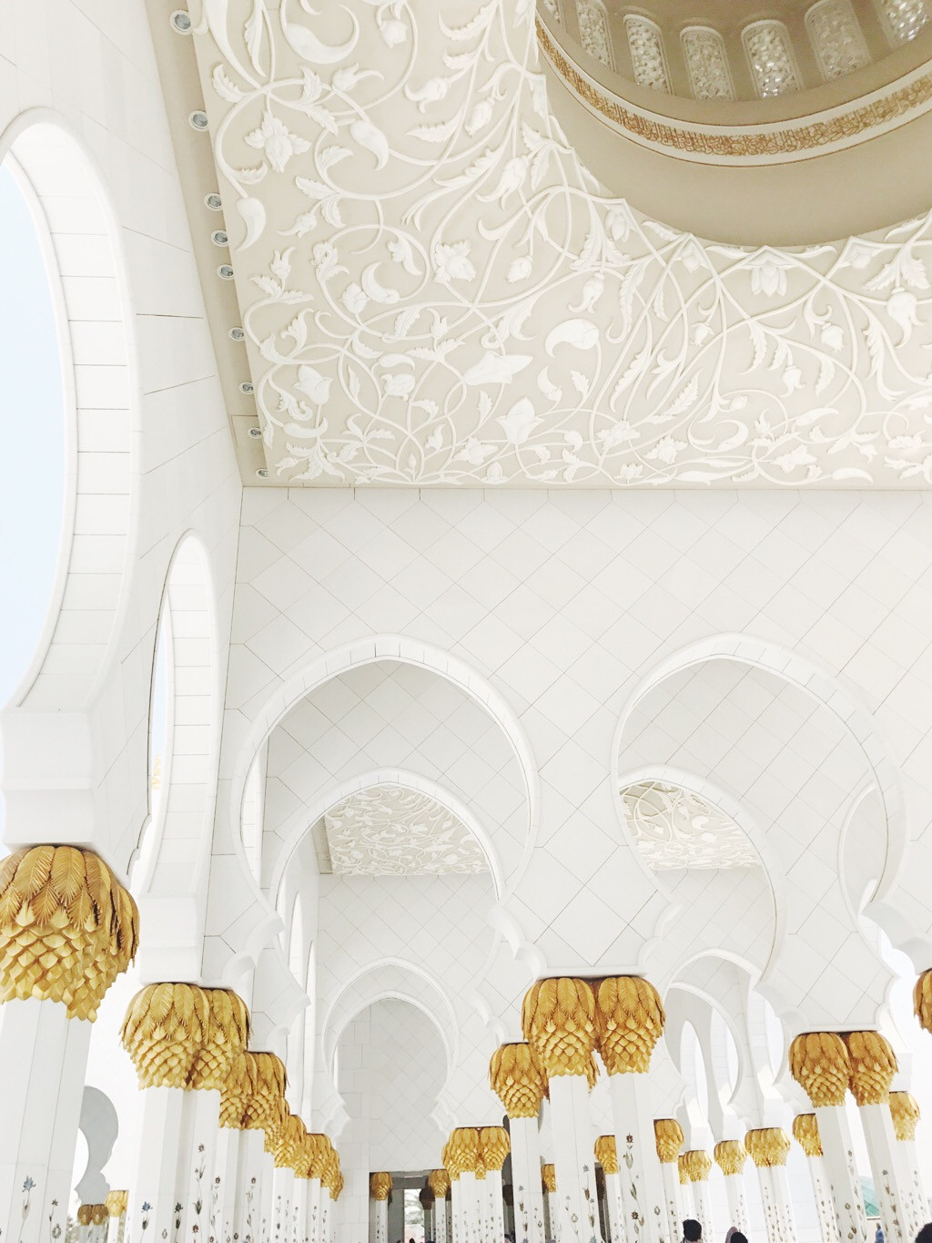 sheikh zayed mosque natural materials