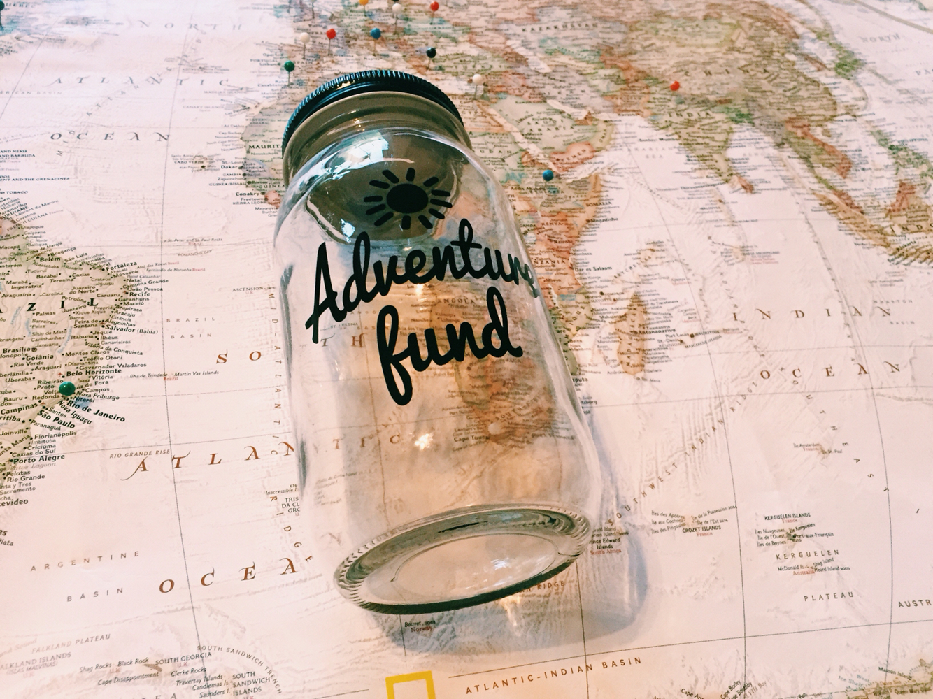 10 WAYS TO SAVE MONEY FOR YOUR TRAVEL GOALS