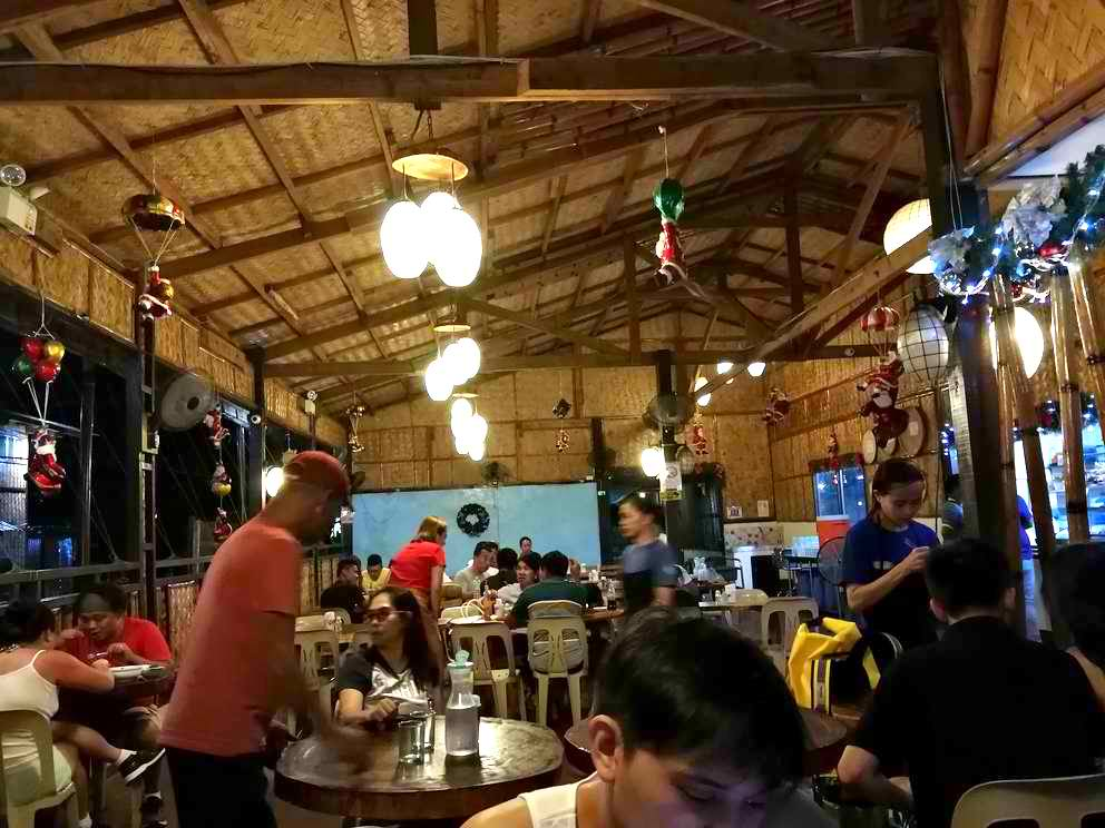 Lolo Nonoy's budget restaurants in coron