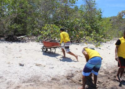 blog-punta-rucia-beach-cleaning_02