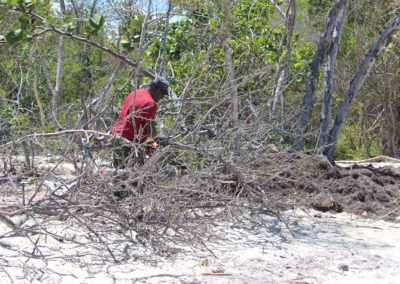 blog-punta-rucia-beach-cleaning_09