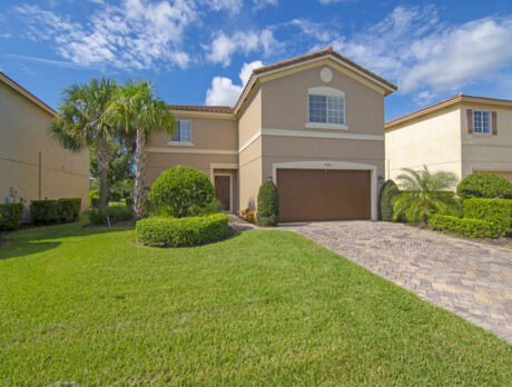Spacious Vero Lago home is perfect for a large family
