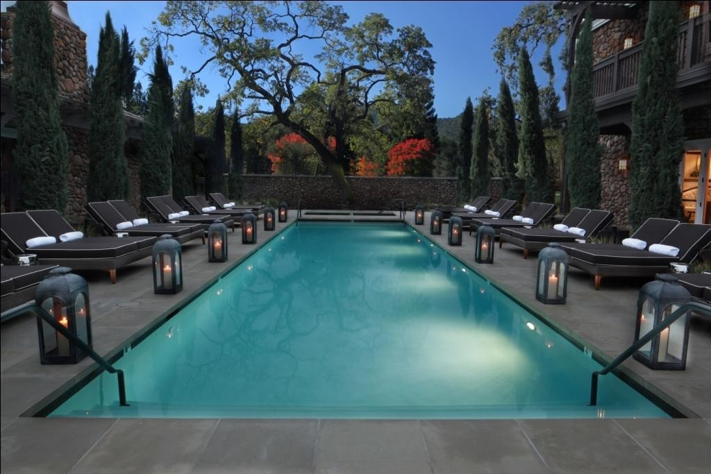 hotel-yountville-pool ladyhattan travel blog nyc
