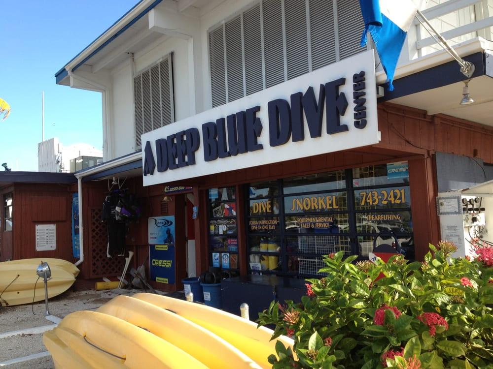 a deep blue dive center, marathon key