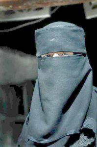 Muslim_woman_in_Yemen_cleared