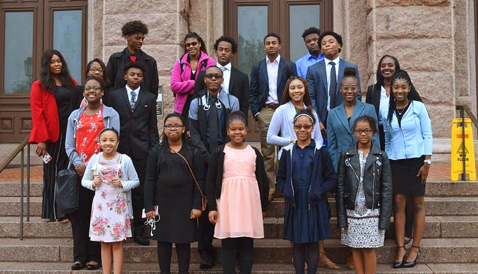 Y.A.L.E. Visits the Texas State Capitol