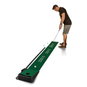 indoor putting practice green with automatic ball return, great golfer gift